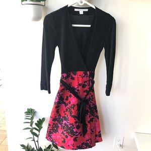 Dvf wrap dress black pink 3/4 sleeve size 2